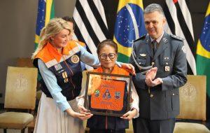 Outorga da Medalha da Defesa Civil do Estado presta homenagens