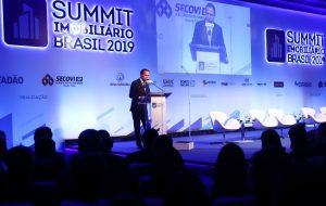Governador discursa na abertura do Summit Imobiliário Brasil