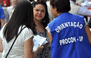 Procon-SP faz plantão para atender consumidores durante a Black Friday