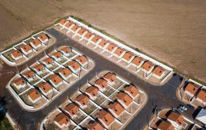 CDHU entrega 102 casas em Santa Rita do Passa Quatro