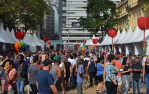 Secretaria da Justiça atende centenas de pessoas durante 19ª Feira LGBT