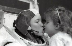 Etec de Pirituba recebe astronauta norte-americana