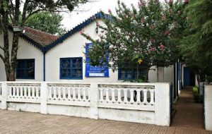 Museu Casa de Portinari recebe lançamento de obra de Tetê Brandolim