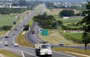 Governo de São Paulo suspende por 90 dias pesagem nas rodovias estaduais