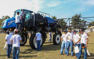 No Dia do Campo, Governo entrega equipamentos agrícolas a produtores de Campinas