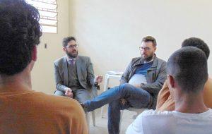 CDP de São Vicente aborda direitos da população LGBT