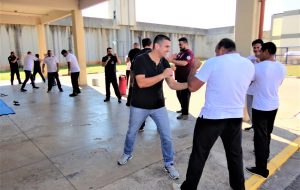 Agentes de Balbinos recebem treinamento de defesa pessoal