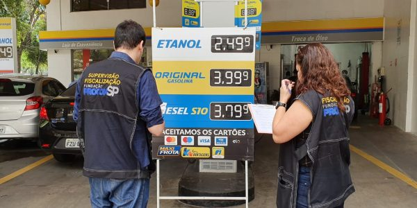 Fundação Procon-SP fiscaliza preços em postos de combustíveis no Estado
