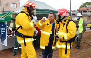 Equipe de Emergência da Cetesb participa de simulado de vazamento em duto