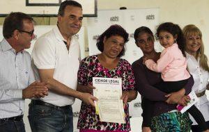 Habitação entrega 201 títulos de propriedade na região de Sorocaba