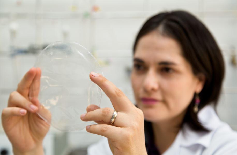Resultado de imagem para Pesquisadores da USP desenvolvem novo plástico biodegradável