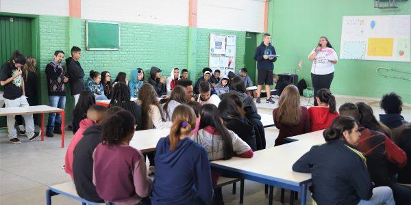 Programa internacional de avaliação é aplicado em escolas da rede estadual