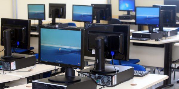 SP subsidiará compra de 161 mil computadores para docentes do Estado