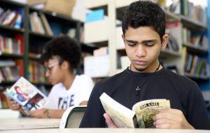 Projeto incentiva leitura e discute gêneros textuais em Francisco Morato