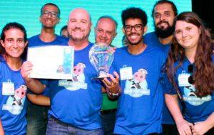 Equipe com integrantes da Esalq vence maratona de programação da Embrapa