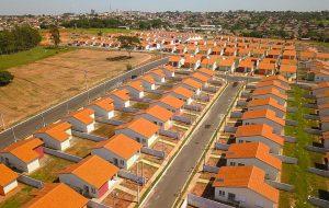Governo de São Paulo entrega 96 casas para moradores da cidade de Braúna