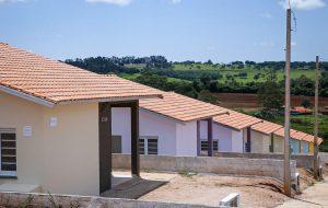 Governo de SP entrega 135 casas na região de Araçatuba
