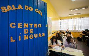 Alunos da rede estadual podem se inscrever em cursos de idiomas na região Central