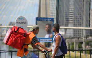 Painéis convidam paulistano a participar da despoluição do Rio Pinheiros