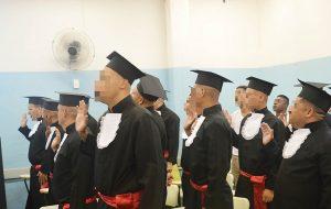 Reeducandos da Penitenciária de Piracicaba se formam em curso de cabeleireiro