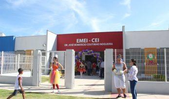 Inauguração de creche e quadra esportiva em Jaguariúna