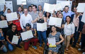 Habitação entrega 55 matrículas de imóveis em Santo André