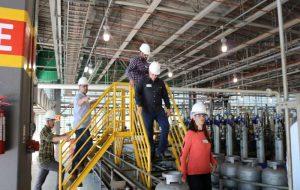Alunos da Pós-Graduação da Escola Superior da Cetesb visitam empresa em Barueri