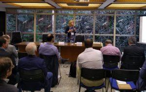 Evento em SP debate como avaliação de impacto ajuda a aprimorar programas de pesquisa