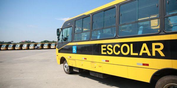 Educação entrega 120 ônibus para transporte escolar em SP