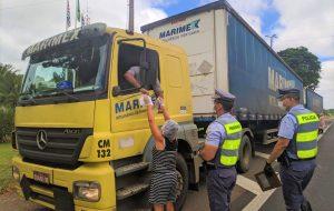 Caminhoneiros já receberam mais de 88 mil kits alimentação e 21 mil TAGs de pedágio