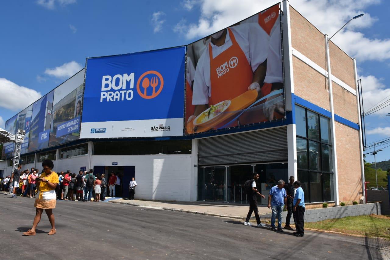 Em 20 anos, Bom Prato já serviu 265 milhões de refeições aos cidadãos paulistas