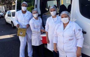 Alunos das Etecs imunizam a população nas cidades de Bauru e Matão
