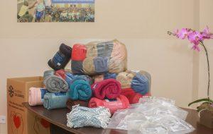Fundo Social entrega cobertores novos para acolhidos da Missão Belém