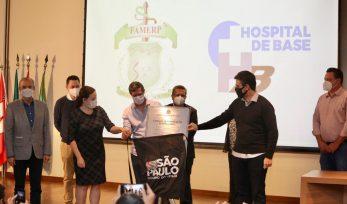 Entrega de respiradores em São José do Rio Preto
