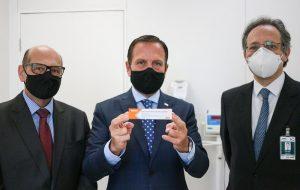 Governo de SP inicia testes clínicos em voluntários para a vacina contra o coronavírus