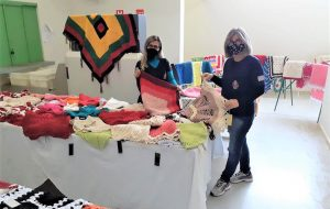 Presídio promove feira de artesanato com peças produzidas por reeducandas
