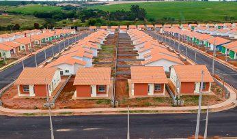 Entrega de moradias em Bebedouro