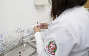 HC lidera estudo inédito de resposta à vacina em pacientes imunossuprimidos