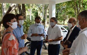 Instituto Biológico recebe visita de gestores de empresa multinacional indiana