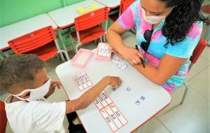 Com suspensão do feriado de Carnaval, aulas na rede estadual acontecem normalmente