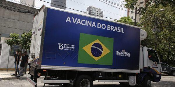 SP começa a distribuir segundo lote de vacinas do Butantan para o Brasil