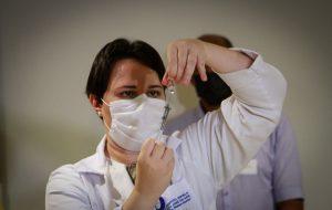Governo de SP antecipa segunda dose da AstraZeneca para 8 semanas