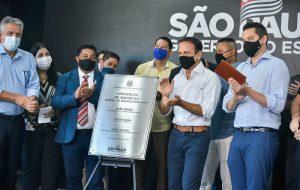 Governo de SP entrega obras de contenção em encostas em Guarujá