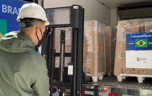 Governo de SP entrega mais 900 mil doses da vacina do Butantan para o Brasil
