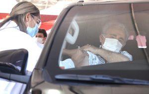 SP abre seis novos pontos de drive-thru para vacinação contra Covid-19 na capital