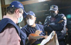 Comitê de Blitze encerra festa clandestina com 142 pessoas na zona sul da capital