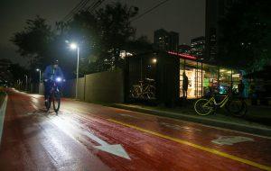 Governo de SP e Enel instalam iluminação inteligente na Ciclovia Novo Rio Pinheiros