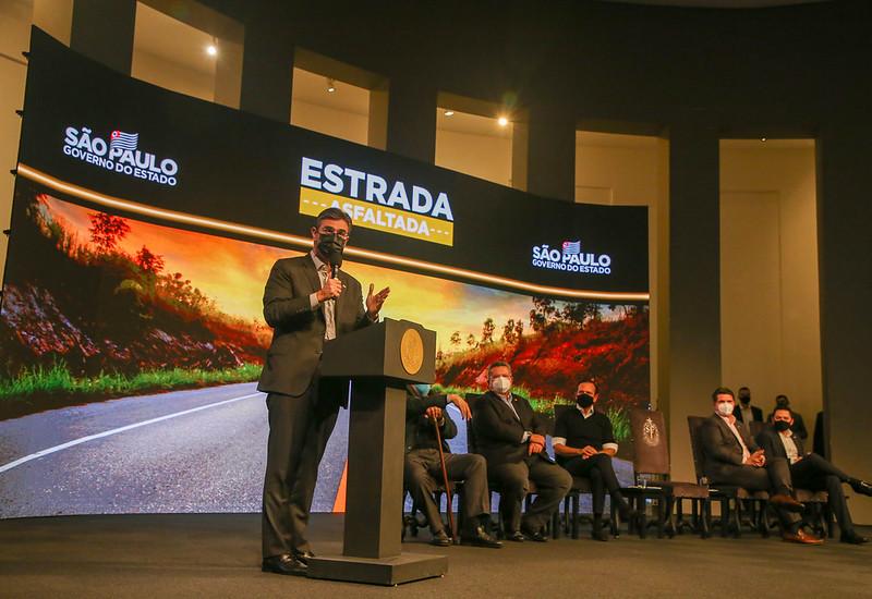 Governo de SP anuncia mais de R$ 1,7 bilhão no programa Estrada Asfaltada para o interior e litoral