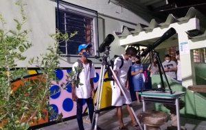 Dinheiro Direto na Escola leva impressora 3D e telescópio para escola em Itapecerica