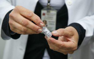 Vacinação com Coronavac reduziu em 88% as mortes de pessoas com mais de 70 anos no país